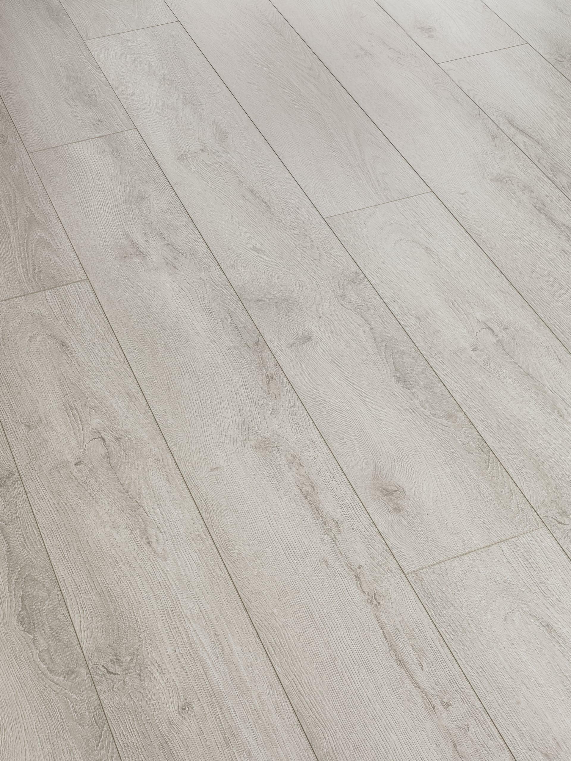 Swiss Krono Solid Oak 12 Mm Laminate, Toscana Laminate Flooring