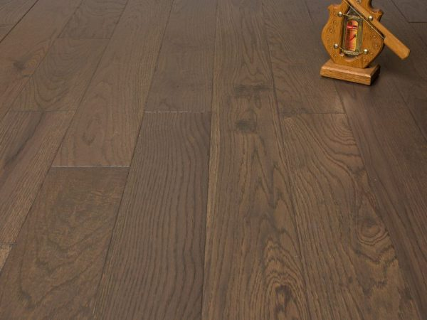 Hardwood Canada Engineered Oak Handscraped & Distressed - DRIFTWOOD