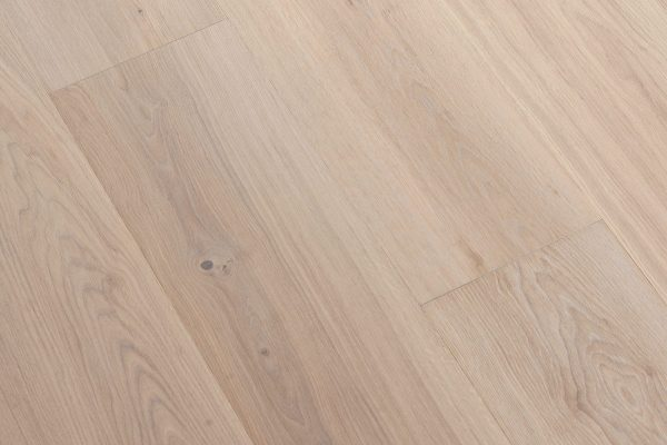 Hardwood Canada Wide Plank Collection White Oak - WIRE BRUSHED SIENNA