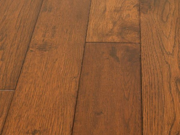 Hardwood Canada Hanscraped & Distressed Hickory Woodland